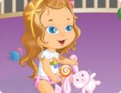 لعبة تلبيس الطفلة السعيدة